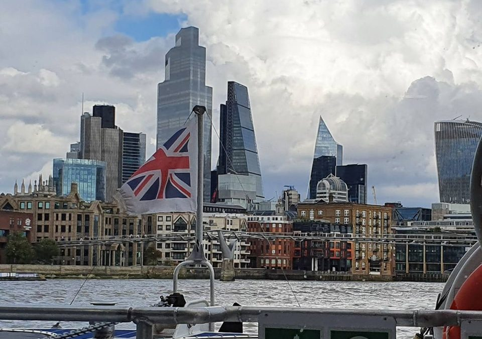 """Великобритания остави България в """"зеления списък"""" за пътуванията"""