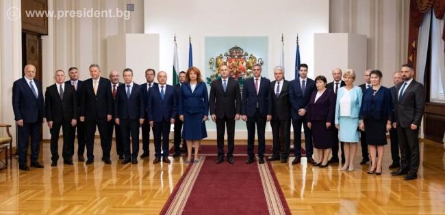 Президентът Румен Радев назначи нов служебен кабинет